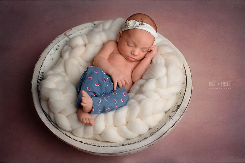 Emilka noworodek
